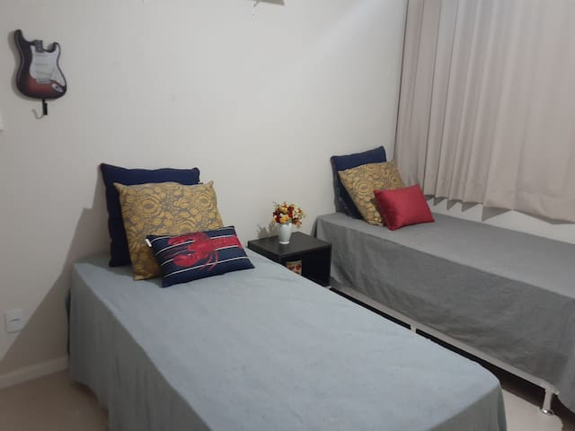 Quarto privativo 2 / Private Room- Barra Salvador