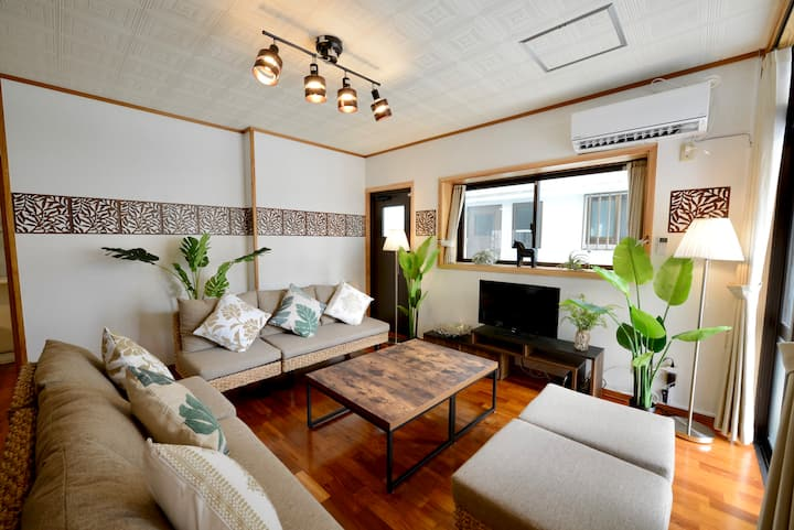 Chatan House♪ 1min to beach♪Free Parking♪ 49X