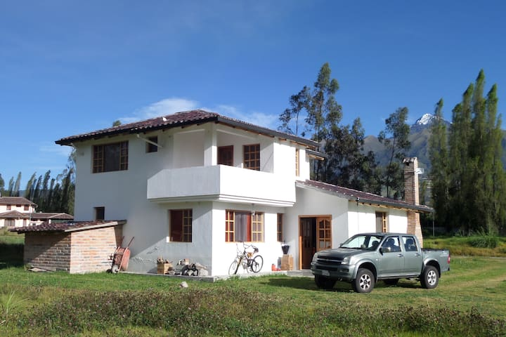 Casa Orion, the country place in the city.