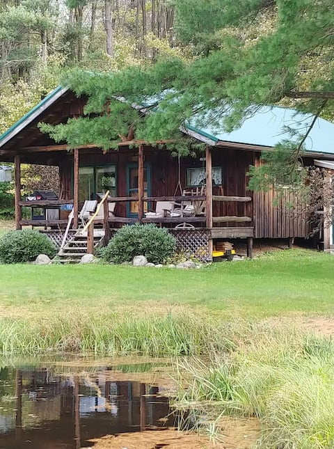 Paradise Cabin- secluded, private and relaxing