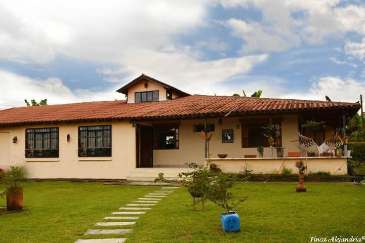 Casa campo Alejandria habitación Acacia
