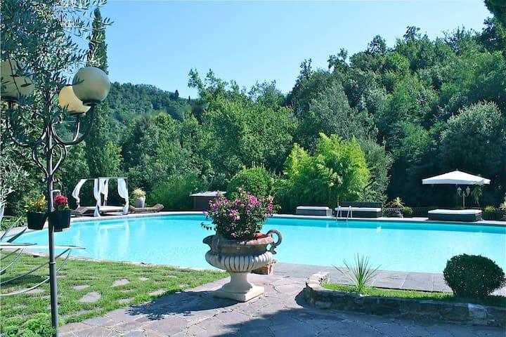 Luxury Villa near Florence - Carmignano - วิลล่า