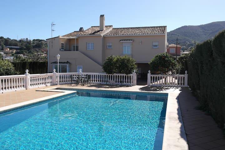 Villa con piscina en Alhaurín - Pinos de Alhaurín - Casa