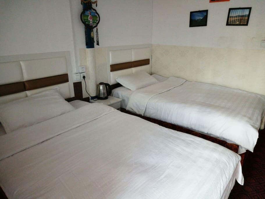 一米二床,两张