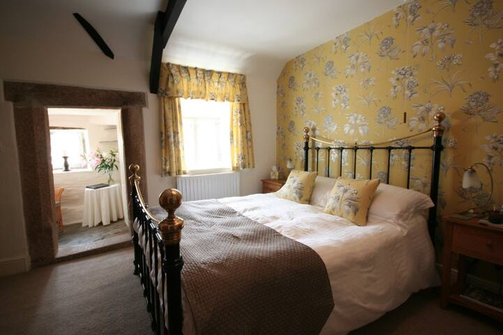 Monks Room Double en-suite - Trevalga - Bed & Breakfast