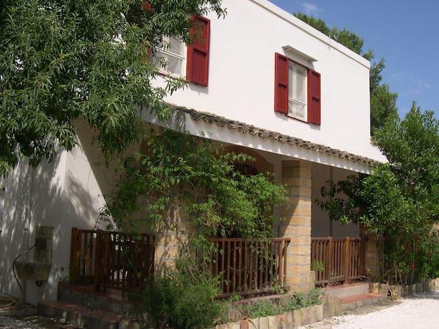 """The Cottage"" Tenuta Pignatelli - Castelvetrano - House"