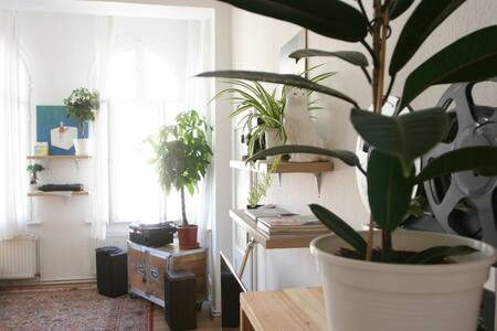 Newly renovated studio apartment - Berlin