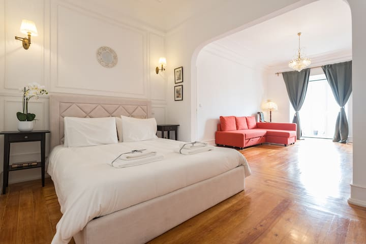 EXCLUSIVE room with Balcony in Central Lisbon