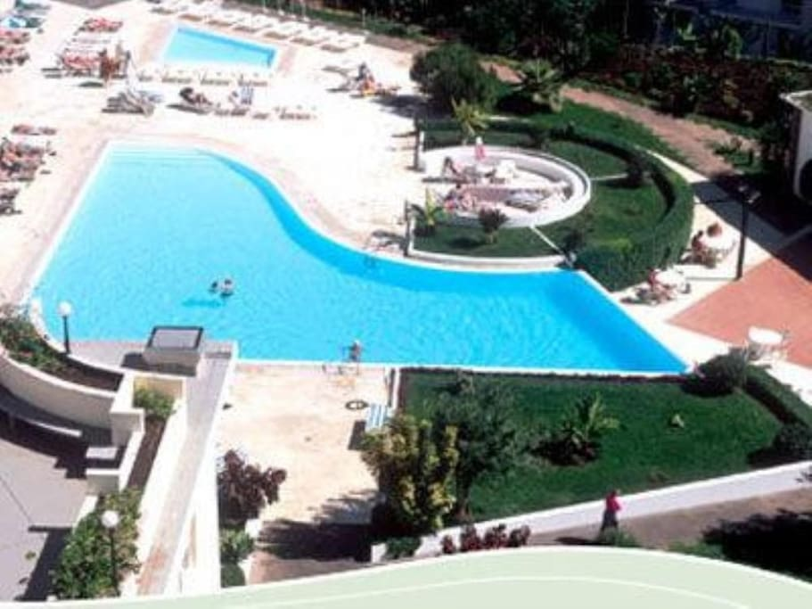 Overview Outdoor Swimming Pools