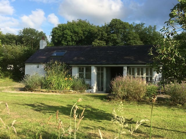 Secluded country cottage in rural Pembrokeshire