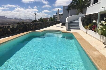 Stunning villa - Oasis de Nazaret with heated pool - Oasis de Nazaret - Villa