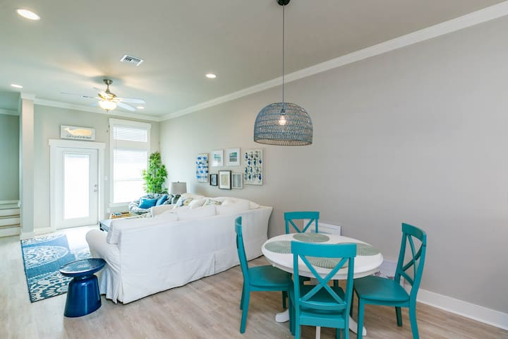 Airy main space with a relaxing blue and white color scheme.