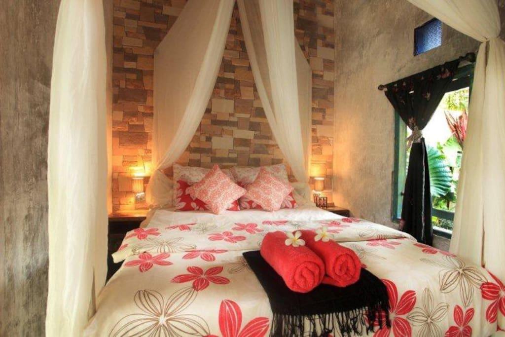 Romantic Tigerlily Casa w/pool PS1