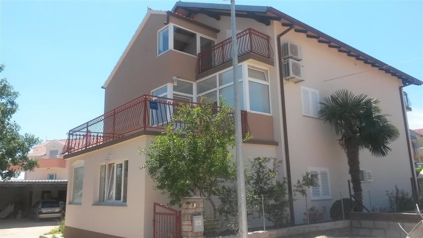 Comfort app with parking and bbq - Vodice - Apartment