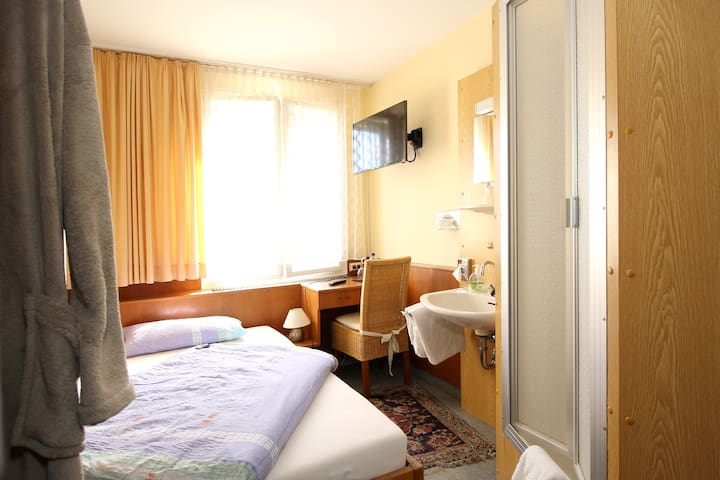 Economy Room; Hotel Atlantik - Celle - Bed & Breakfast
