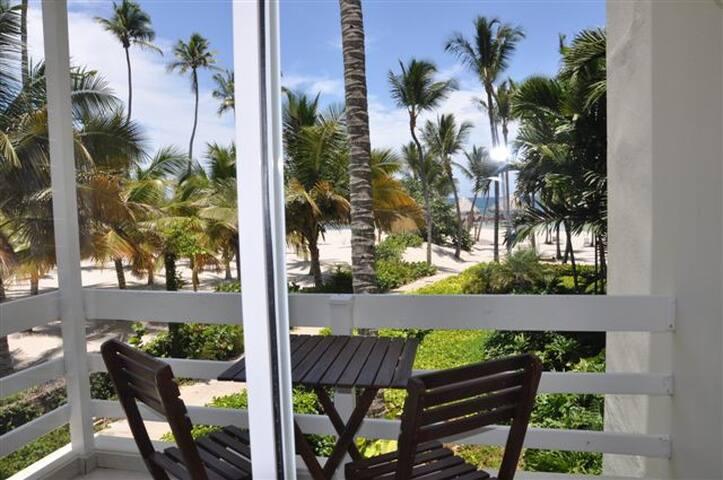 Private Beach Living