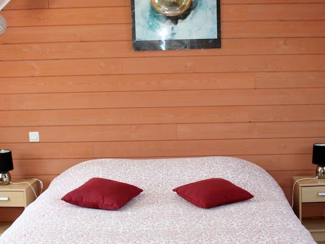 La chambre des phares avec 1 lit double 160 * 200 ( 14 m2)