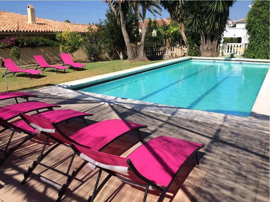 Villa 5 chambres piscine plage case in affitto a for Piscine marbella