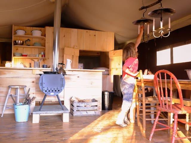 Catskills Luxury Farm Stay - Walton - กระท่อม