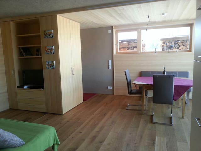 Einliegerwohnung in den Bergen - Egg - Appartement