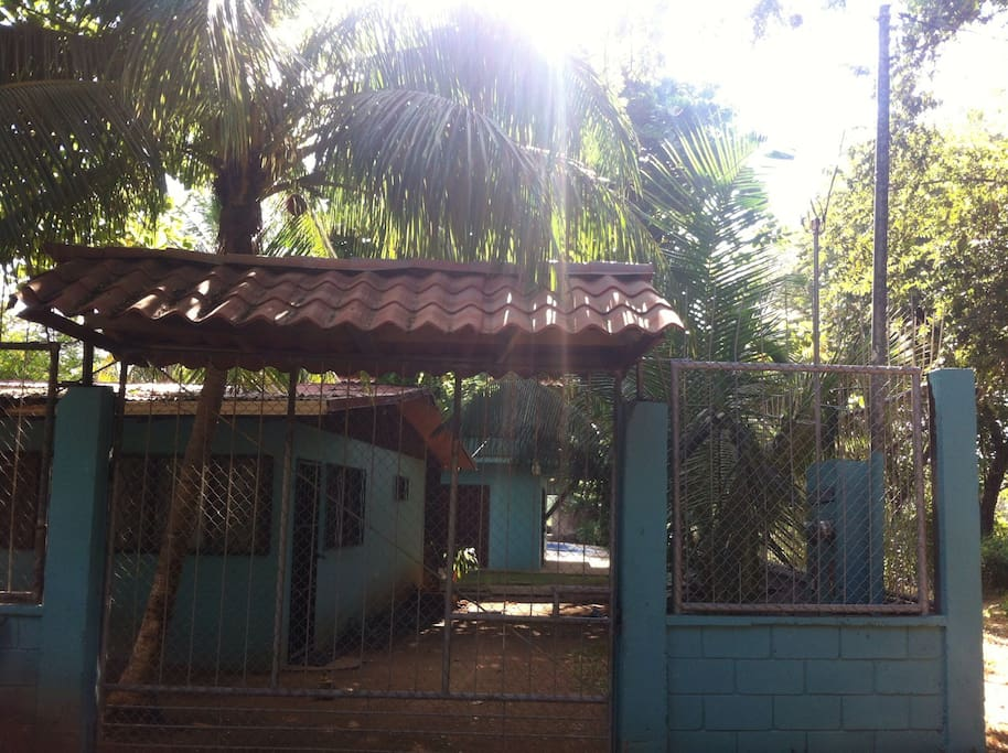 Coco Beach House With Private Swimming Pool Cottages For Rent In Playas Del Coco Guanacaste