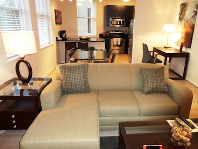 [1375-2] 2BR-1 Block to White House
