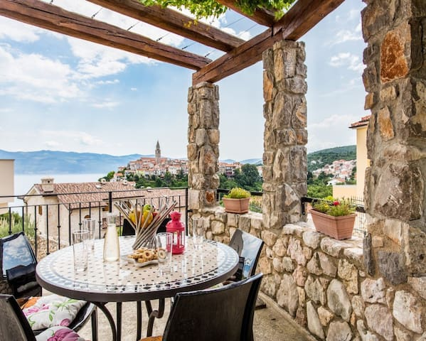 Studio Eli 2 with sea view - Vrbnik - Apartment