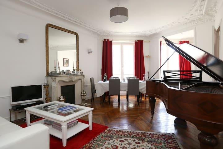 High Standing Flat 60m² Montmartre