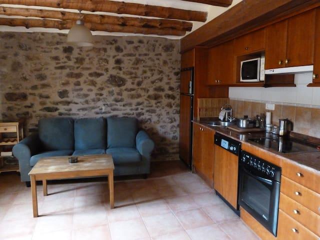 Apartamento  60 m2 + trastero 6 m2  - Antist