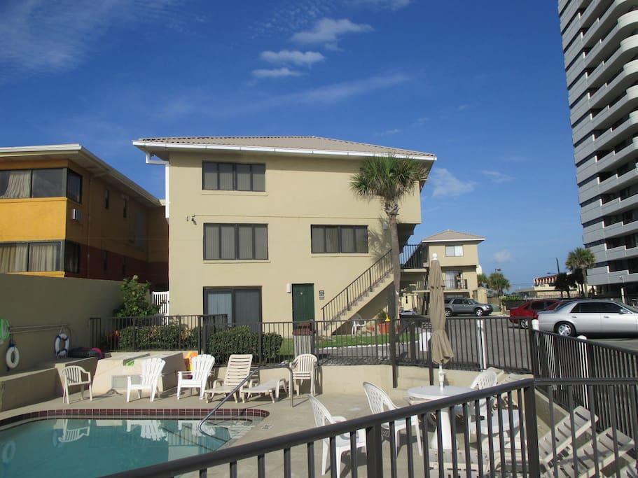 2 Bedroom Daytona Beach Apartments