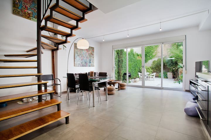 Amplia habitación en la feria - Paterna - House