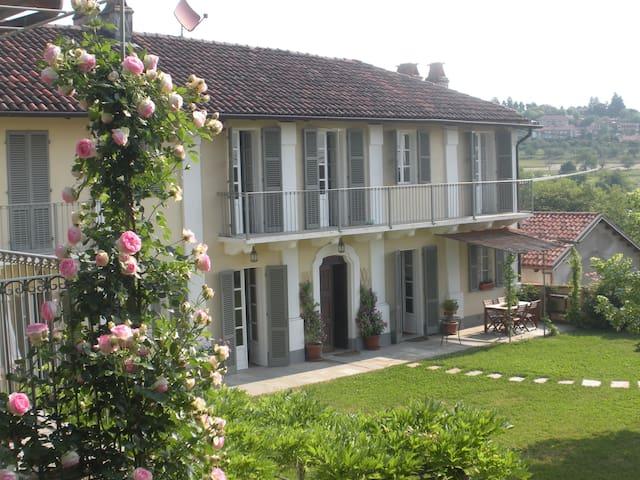 Villa nella collina di Torino - Revigliasco - House