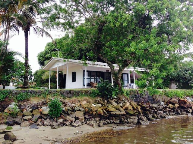Casa da Baia Guaratuba - Guaratuba - Choza