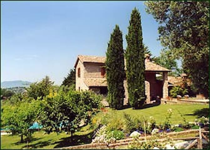 B&B in antique villa nearby Rome - Selci - Pousada