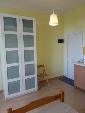Отдельная квартира-студия  в гостевом доме - Lvovskiy - Leilighet