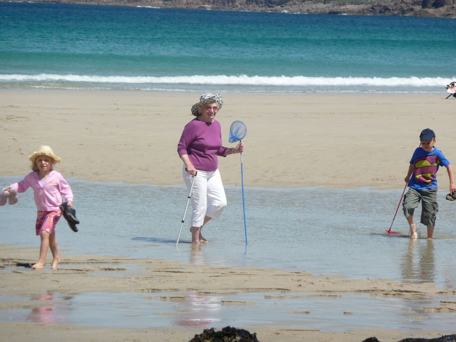 Sennen Beach is a family friendly beach popular with bathers and surfers alike and is only 15 mins walk from SunnyBank House.
