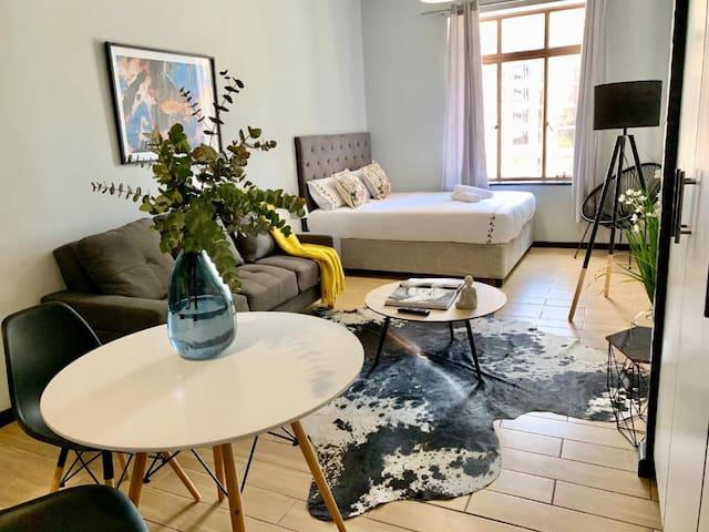 Beautiful City Studio Apartment