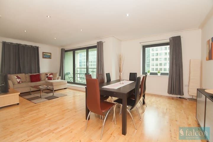 Stunning 2 bedroom with river views - London - Apartment