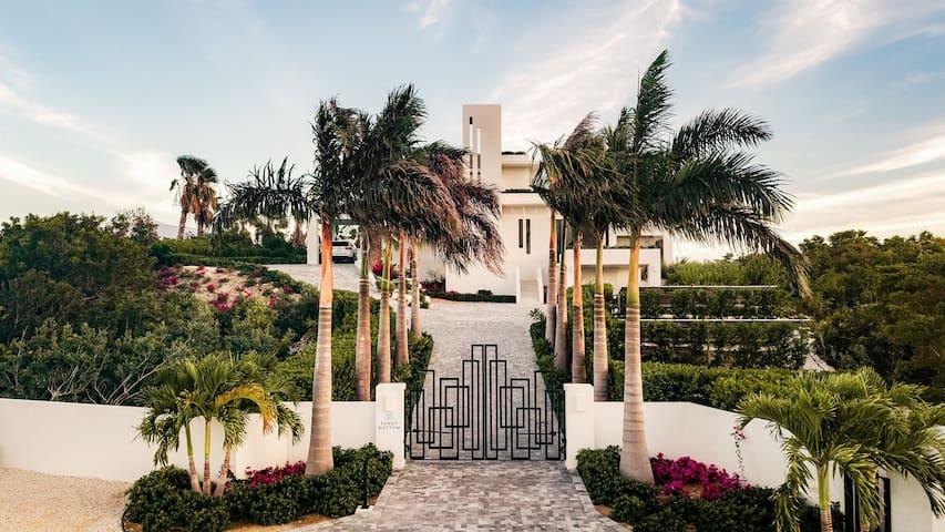 Sandy Bottom Villa