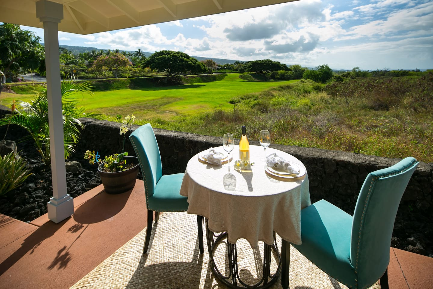 View of Mauna Loa Mountain and the Ocean from your Lanai.