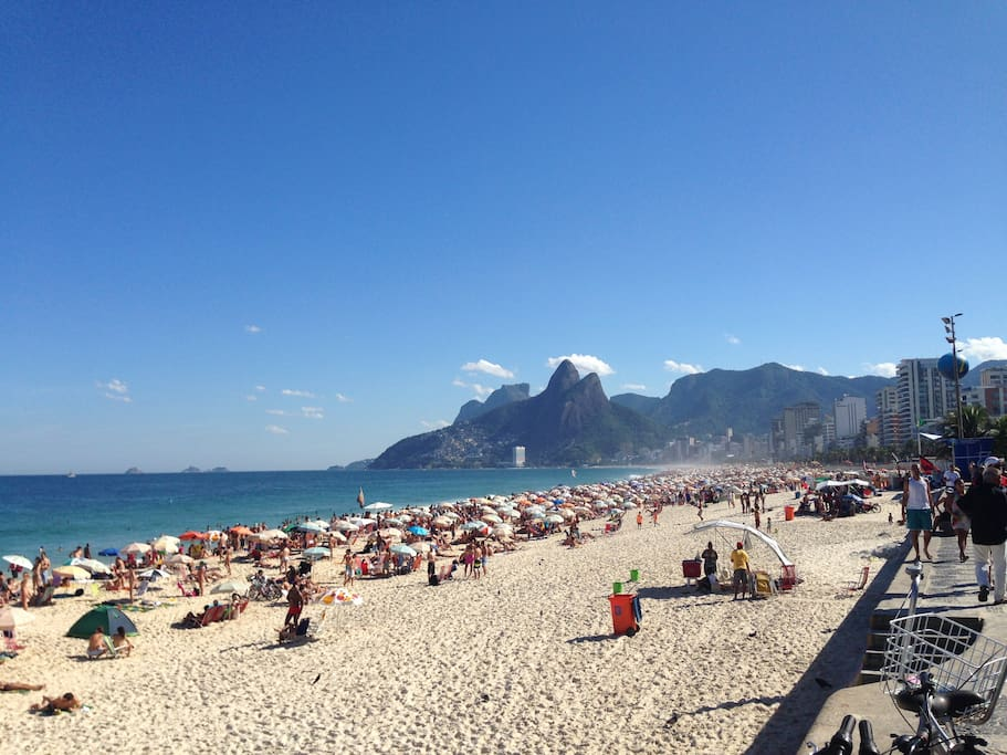Ipanema Beach ,50 mtrs from the apartment