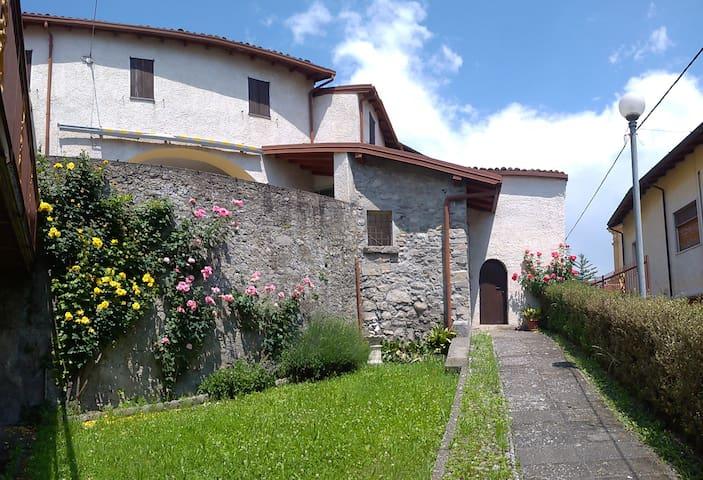 Casa Lucia nel Borgo Antico di Esmate