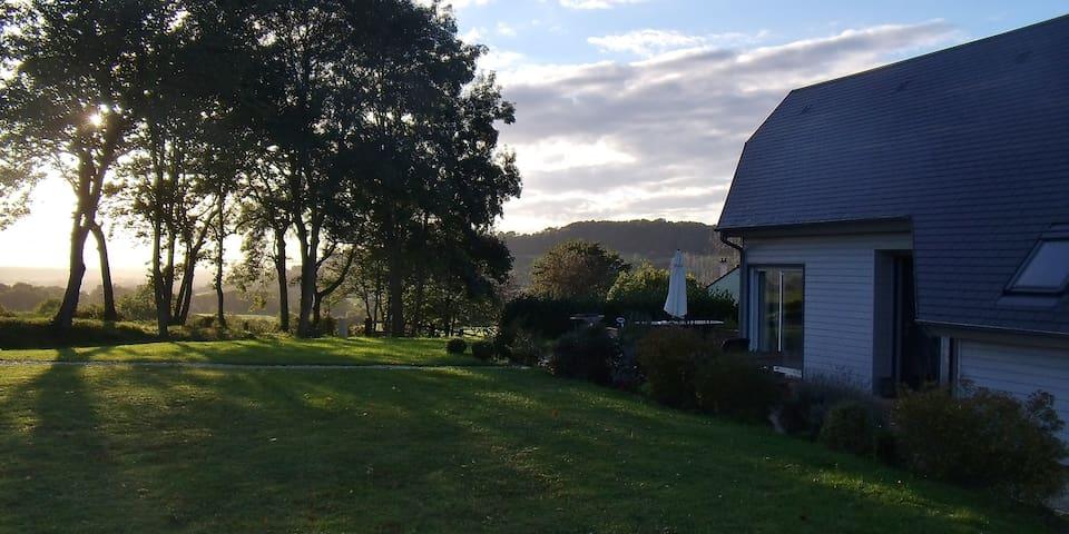 La Maison bois sur la colline - Le Mesnil-Simon
