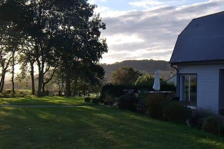La Maison bois sur la colline - Le Mesnil-Simon - 独立屋