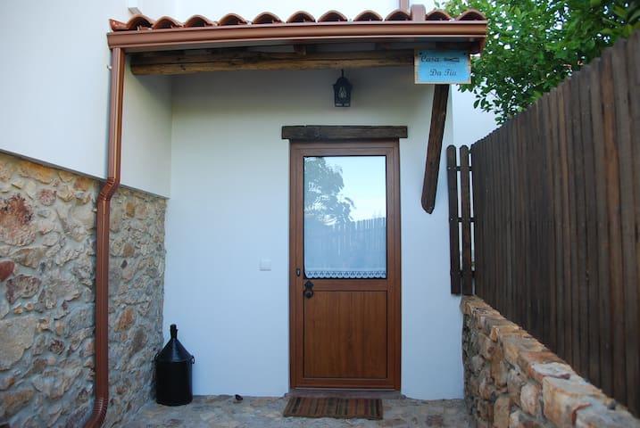 Casas no Terreiro - Casa da Tia - Penacova - House