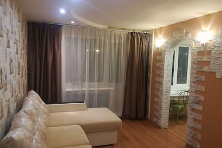 Уютная квартира с большой ванной в центре города.