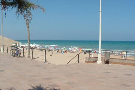 Апартаменты- бунгало,100м до моря - Guardamar del Segura - Cabane