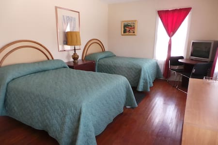 Big Room in Mansion, Bethel Woods #21 - Apartemen