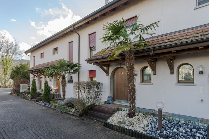 Spacious Family Home near to Zürich (300m2) - Würenlos - Rumah