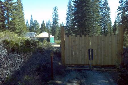 Mt. Shasta Off-Grid Yurt